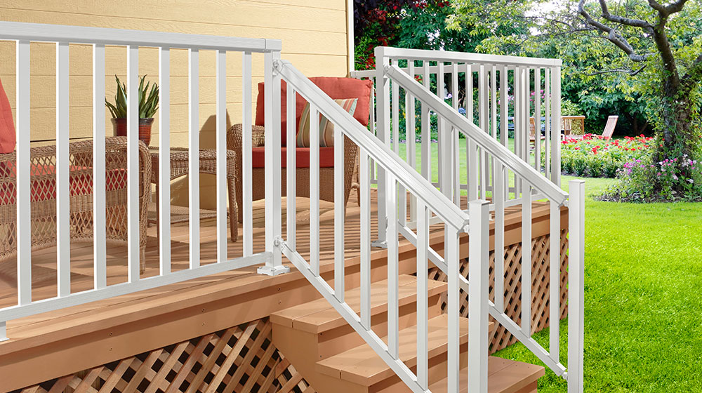 White-Stair-Wide-Picket-Railing_New-Photo-Shoot