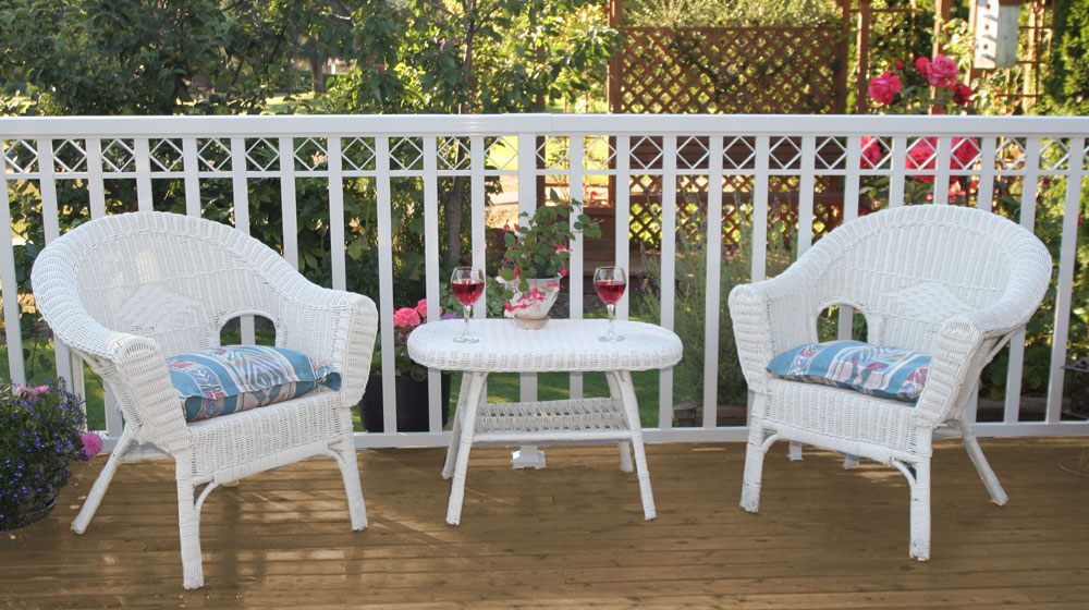 Wide-White-Picket-Railing-on-deck-with-chairs